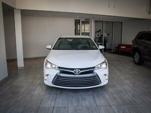 2015 Toyota Camry LE, Touch Screen, Back Up Camera, AUX/USB, Blu Edmonton Edmonton Area image 2