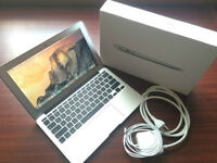 "Late 2014 Apple MacBook Air 11"" English Keyboard (OBO)"