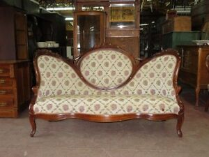 Causeuse ,divan Style  Victorien ,antique