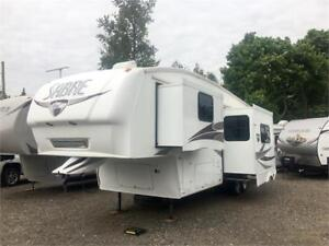 PALOMINO SABRE 31RKTS - COUPLES FIFTH WHEEL, REAR KITCHEN! SAVE!