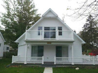 Gorgeous Brights Grove~Steps to Lake Huron~Aug 2-9 Available!