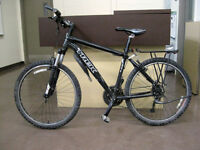 "Trek Mountain Bike 2012, 18"" frame Rock Shox suspension"