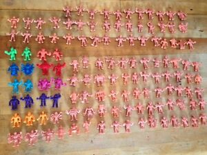 Tremendous! LOT of 126 M.U.S.C.L.E. MUSCLE Figurines Vintage