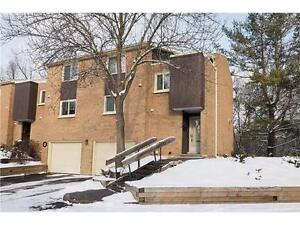Beautiful Renovated Townhome in Galt West Cambridge