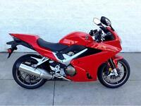 2014 HONDA VFR800F - MANAGERS SPECIAL - DISCOUNT $3000
