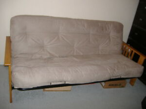 Futon Buy Or Sell A Couch Or Futon In Winnipeg Kijiji Classifieds