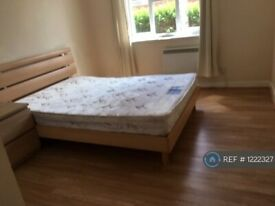 2 bedroom flat in Millennium Close, Uxbridge, UB8 (2 bed) (#1222327)