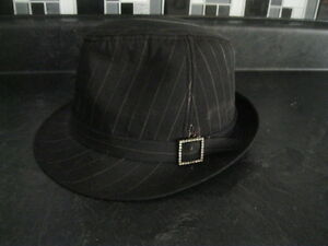 UNISEX HAT ... BLACK WITH PINSTRIPES ... GREAT CONDITION!