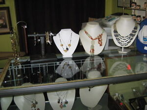 NATURAL STONE AND GLASS JEWELLERY & BEADS Peterborough Peterborough Area image 3