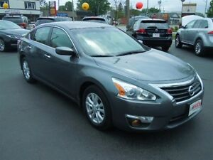 2014 NISSAN ALTIMA 2.5- REAR VIEW CAMERA, BLUETOOTH, SATELLITE R