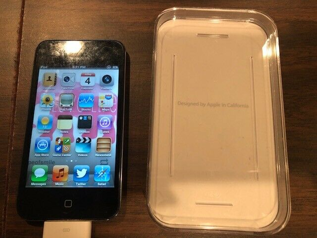 Apple IPod Touch Model A1367 Black 8GB 4th Generation In Great Shape  - $24.99