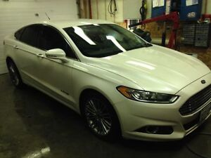 2013 Ford Fusion HYBRID / LEATHER / HANDSFREE NAV / CLEAN