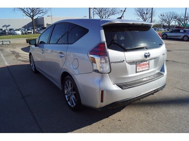 Image 3 Voiture American used Toyota Prius V 2016
