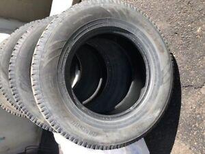 4 pneus TOYO Observe GSi5 245/70R16