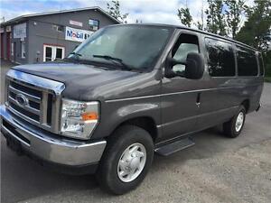 2009 Ford E-350 15-Passenger