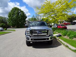 2011 Ford F-250 SUPER DUTY XLT Pickup Truck
