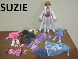 Barbie et sa garde-robe = 15pcs supplémentaire + Acc.