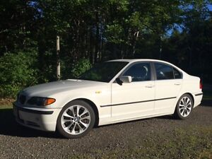 2004 BMW 330i Excellent Condition!