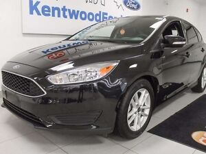 2015 Ford Focus SE with back up cam to make your life more enjoy