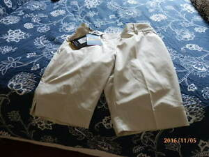 ADIDAS WOMENS GOLF SHORTS West Island Greater Montréal image 1