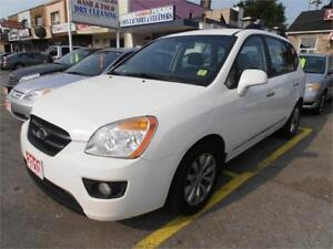 2010 Kia Rondo EX V6 Wagon No accident  White 191,000Km