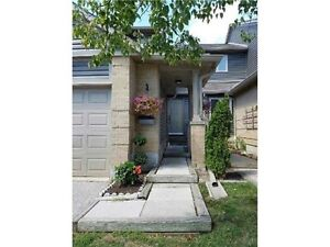 Sought after condo townhouse on Colonial Dr.Mississauga!