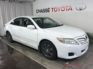 toyota camry 2011 aut. $4995. carte credit accepter 514-793-0833