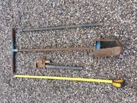 Pot hole auger complete with extension rod and wrench