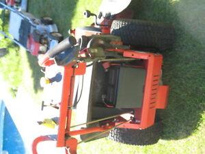 tondeuse simplicity 17.5 hp 34po tablier 10hrs utilisation etat