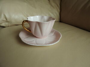 Teacup/saucer - delicate pink antique