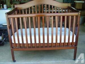 Delta Baby 4-in-1 Bed / Crib With Inn Mattress For Sale Melbourne CBD Melbourne City Preview