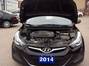 2014 Hyundai Elantra GL Sedan Price Drop To sell !! London Ontario image 11