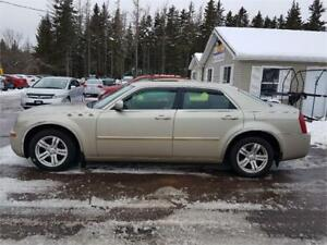 2006 Chrysler 300 FULLY LOADED WITH LEATHER!!!VERY CLEAN!!