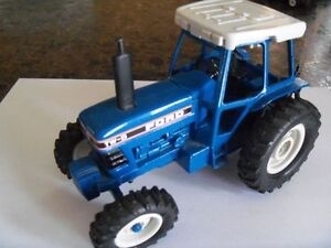 Ford Tractor TW-5 Diecast Model!