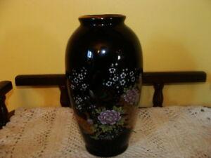 Très beau vase à fleurs, image de paon et fleurs, en porcelaine
