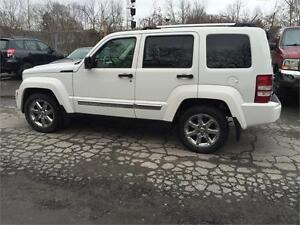 2008 Jeep Liberty Limited*Cuir*Toit*4x4*Financement $0