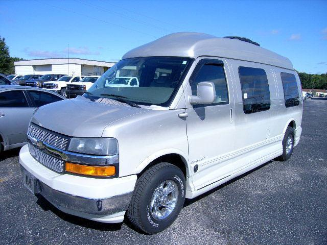 2007 Chevrolet Express  For Sale