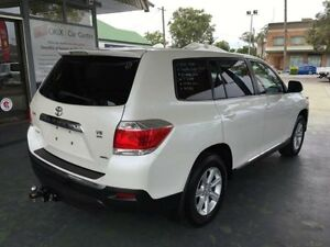 2010 Toyota Kluger GSU45R KX-R White 5 Speed Automatic Wagon Hamilton Newcastle Area Preview