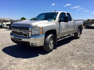 2008 Chevrolet Silverado 2500HD 4WD 8 Cylinders 6 6.6L Turbo DSL