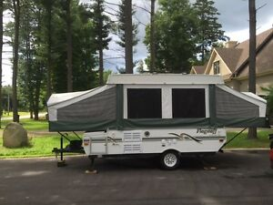 Flagstaff 620ST -  7 person tent trailer / tente roulotte