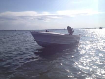 4m Fishing Tinny