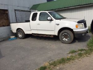 1995 Ford E-250 Pickup Truck