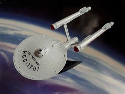 Star Trek Model USS Enterprise NCC-1701 TOS Light-Up Starship (Similar Furuta)