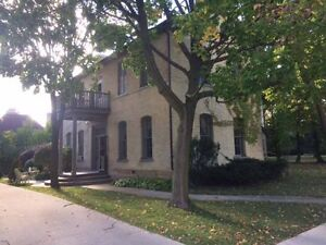 Spacious 2 bdrm in Century old Triplex; close to river/downtown Stratford Kitchener Area image 1