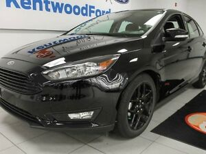 2016 Ford Focus SE- black on black- leather heated seat, back up