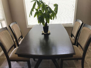 Excellent condition dining tables with four chairs
