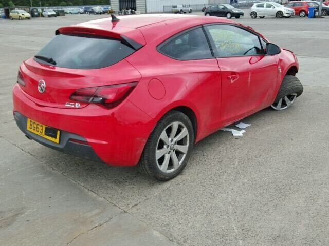 Vauxhall Astra Gtc 20cdti 16v 2013 For Breaking  in Muirhead