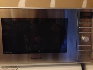 Panasonic NNSD382S Stainless Steel Microwave for Sale