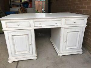 Amazing Desk, see to believe Mornington Mornington Peninsula Preview