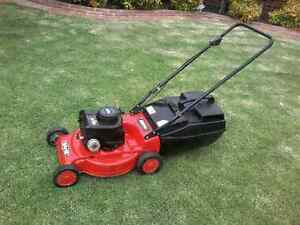Lawn mower Rover 4 Stroke Taylors Lakes Brimbank Area Preview
